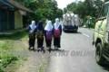Angkutan Mogok, Pelajar di Ciamis Ini Terpaksa Pulang Jalan Kaki Sejauh 9 KM