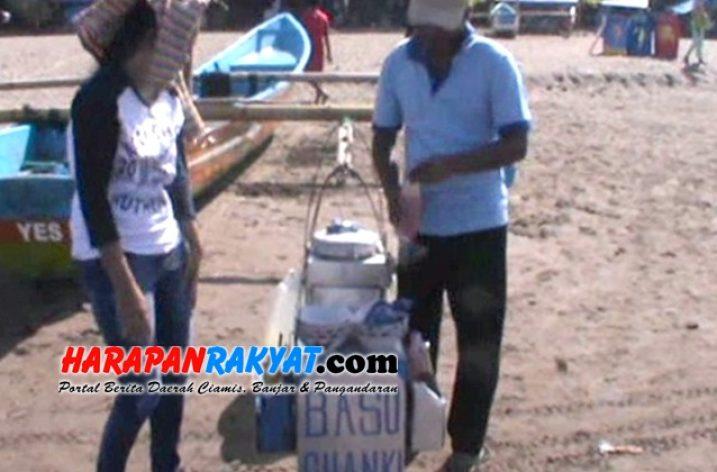 Mengadu Nasib di Pantai Pangandaran