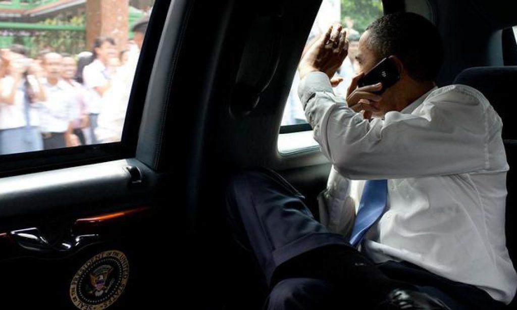 Obama Setia Pakai BlackBerry, Ini Alasannya