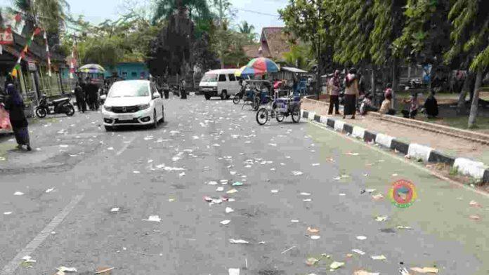 Sampah Plastik berserakan