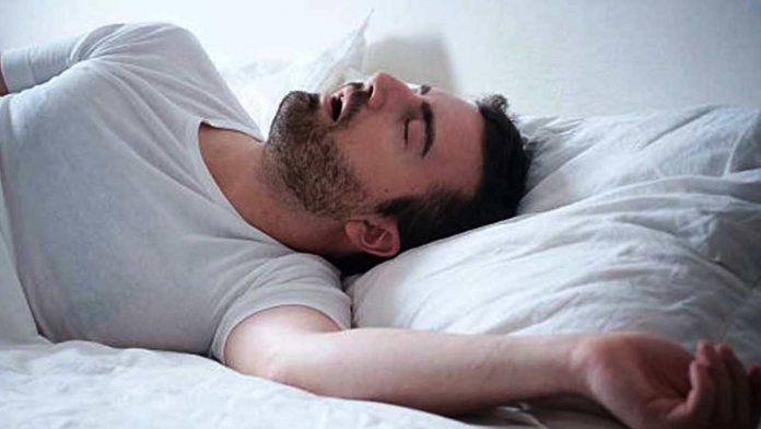 Penyakit mematikan mengintai mereka yang memiliki kebiasaan tidur terlalu lama. Risiko terkena penyakit mematikan seperti serangan jantung, diabetes, dan stroke meningkat jika tidur berlebihan.