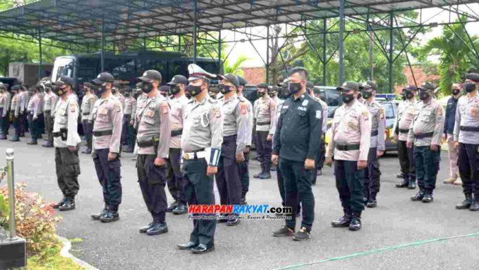Para personel yang mendapatkan penghargaan dari Kapolres Banjar. Foto: Muhlisin/HR.