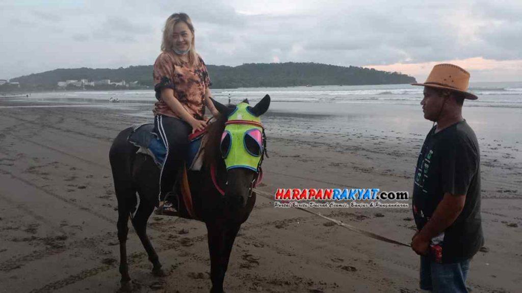Penarik Kuda Wisata Pangandaran