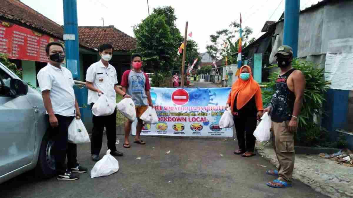 """3 Warga Positif Meninggal, Lingkungan Satu RT di Kota Banjar """"Lockdown"""" thumbnail"""